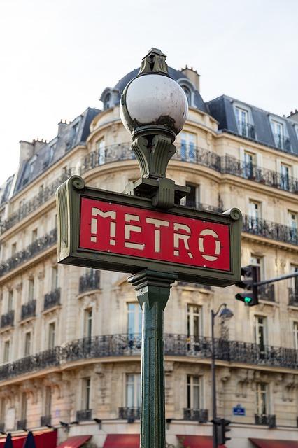 Cartel del metro de París