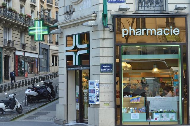 Una farmacia parisina